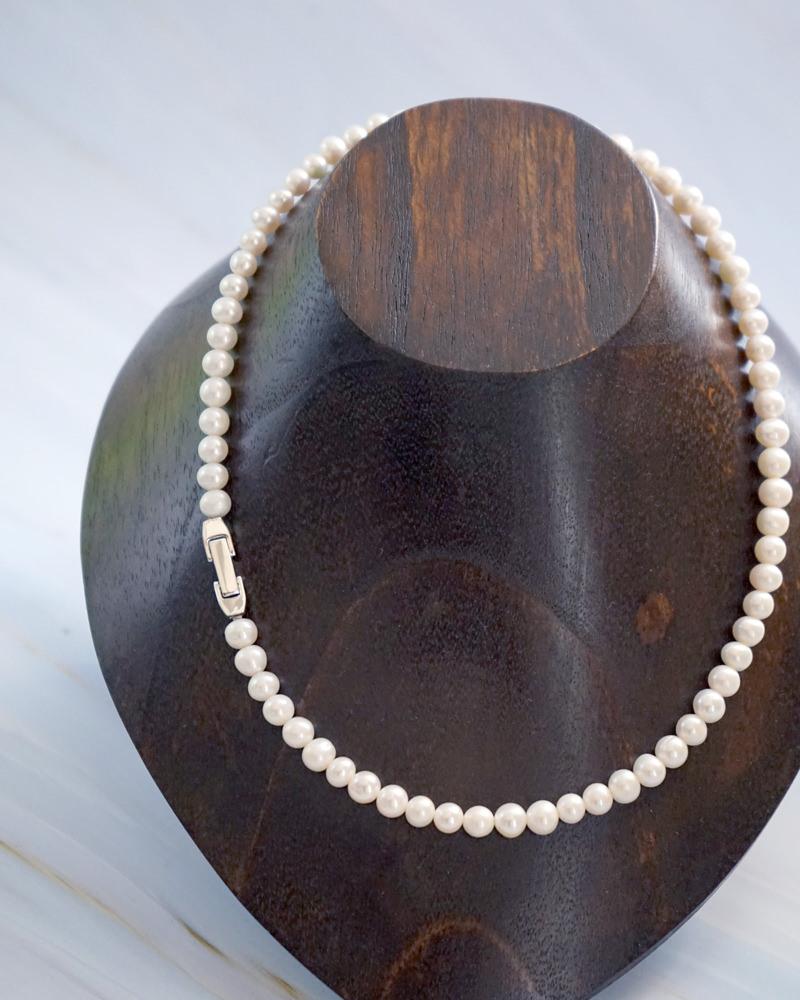 男性 真珠ネックレス